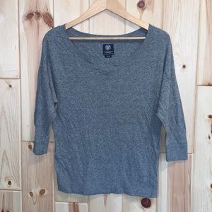 American Eagle Gray 3/4 Sleeve Sweater M